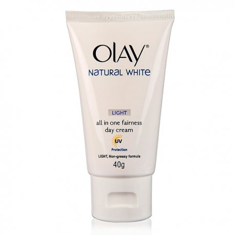 OLAY Natural White Light Day Cream