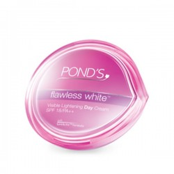 Pond's Flawless White Visible Lightening Day Cream