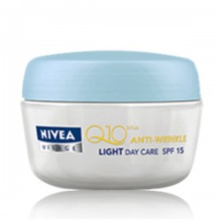 NIVEA Visage Anti-Wrinkle Q10 Plus Light Day Care SPF15