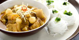 Fine White Noodles in Hunglay Curry
